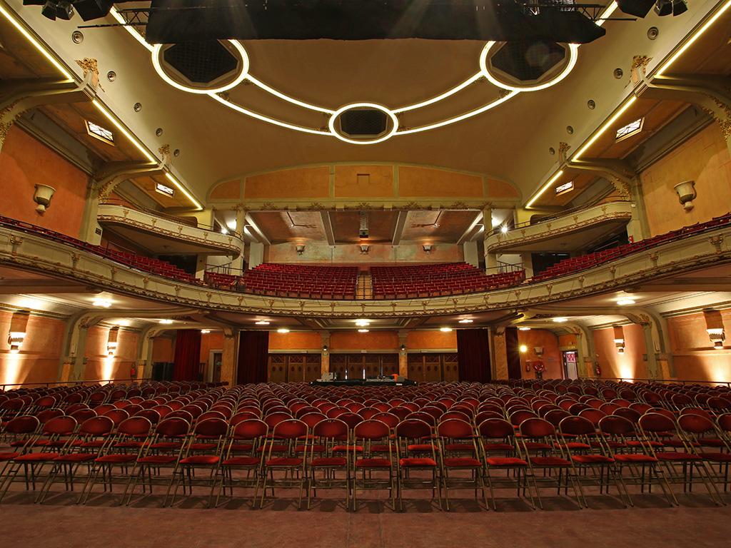 Archidat bouwtechniek projecten de bosbeekschool for Hoofddorp theater